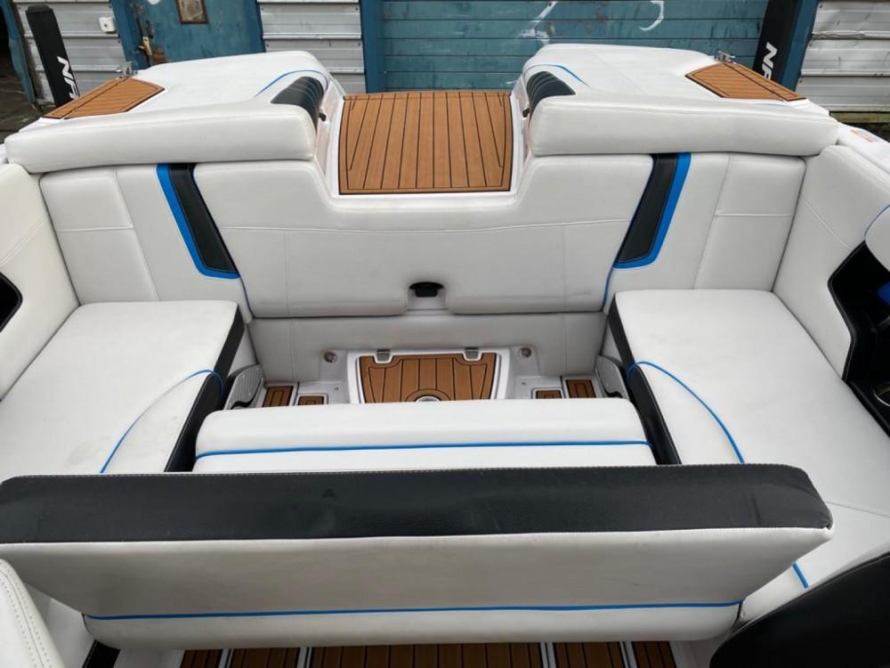 Verhuur Motorboot in Annecy - Nautique Correct Craft super air nautique G21
