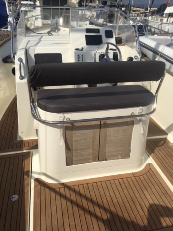 Verhuur Motorboot Rhea met vaarbewijs