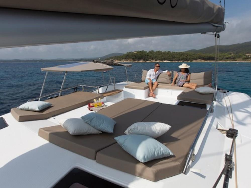 Verhuur Catamaran Fountaine Pajot met vaarbewijs