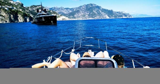 Rubberboot te huur in Torre del Greco voor de beste prijs