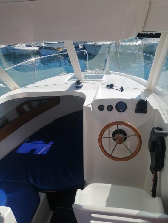 Motorboot te huur in Antibes voor de beste prijs