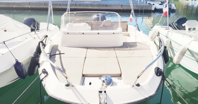 Verhuur Motorboot in Fréjus - Quicksilver Activ 605 Sundeck