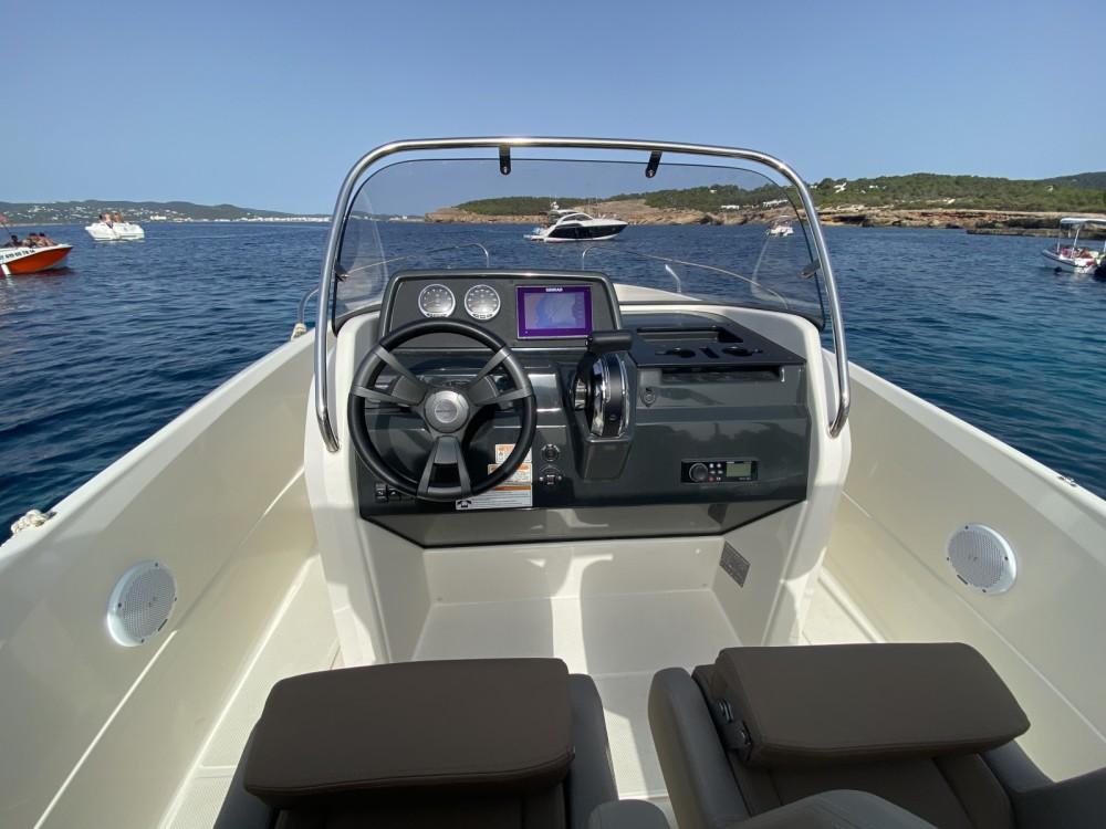 Motorboot te huur in Sant Antoni de Portmany voor de beste prijs