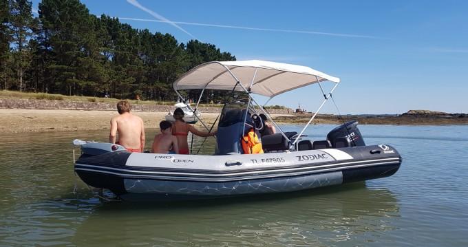Rubberboot te huur in Larmor-Plage voor de beste prijs