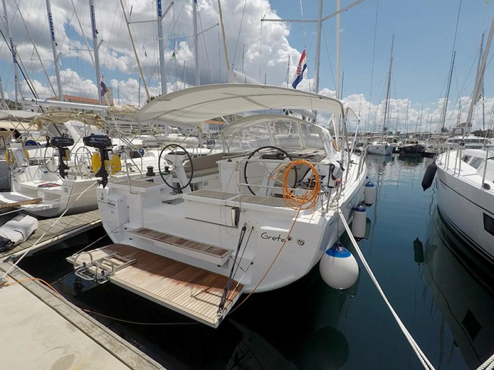 Bénéteau Oceanis 461 te huur van particulier of professional in Šibenik