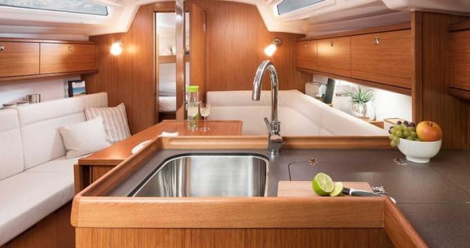 Bootverhuur Athene goedkoop Bavaria 34 Cruiser