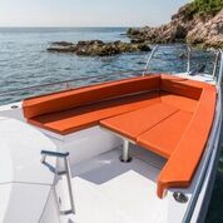 Verhuur Motorboot in Furnari - Axopar 28 T-Top