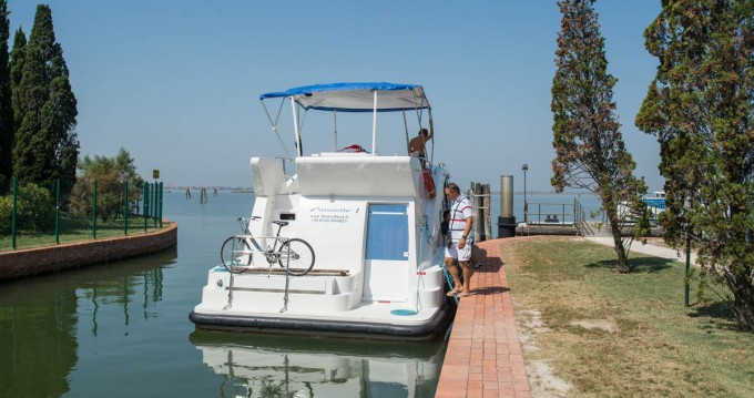 Houseboat Holidays Italia srl Minuetto6+ te huur van particulier of professional in Casale sul Sile