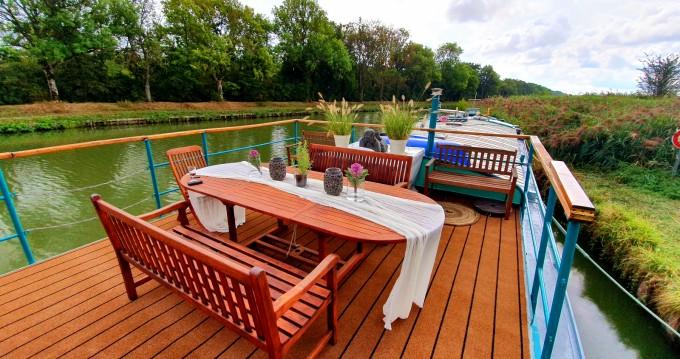 Poseidon Bluewater 480 te huur van particulier of professional in Languimberg