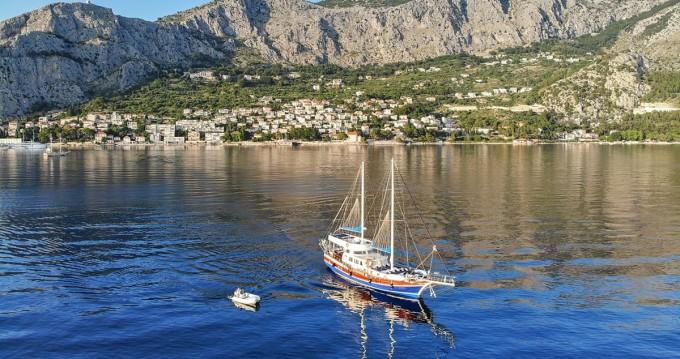 Huur Zeilboot met of zonder schipper Custom Made in Split