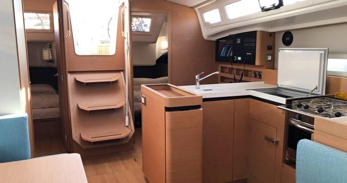 Verhuur Zeilboot in Nettuno - Jeanneau Sun Odyssey 410