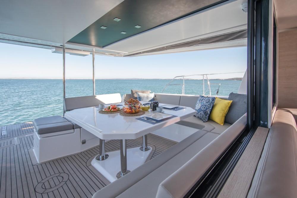 Huur Catamaran met of zonder schipper Robertson-Caine in Procida