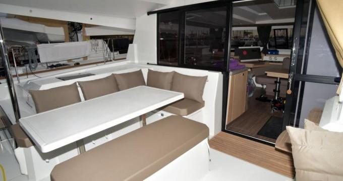 Verhuur Catamaran in Álimos - Fountaine Pajot Astrea 42