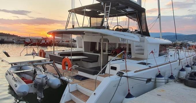 Verhuur Catamaran in Volos - Lagoon Lagoon 450