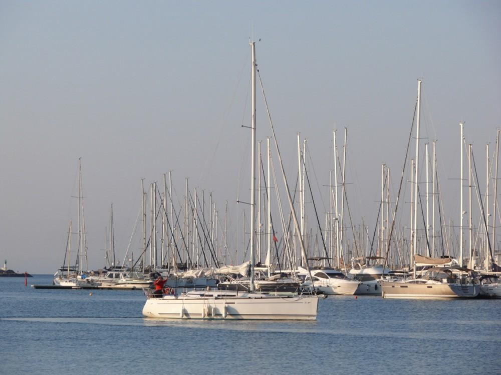 Verhuur Zeilboot in Agde - Dufour Dufour 34 E Performance