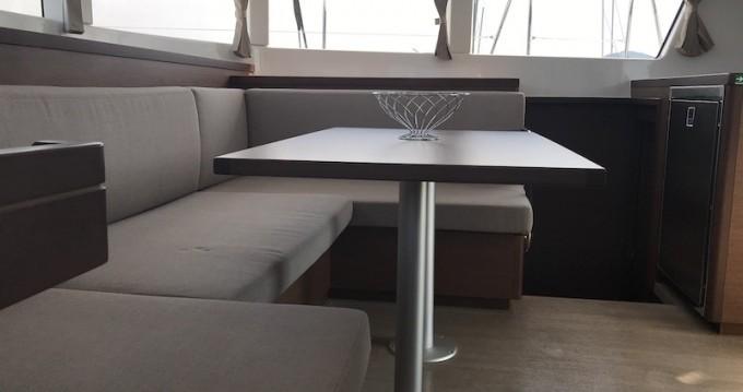 Verhuur Catamaran in Salerno - Lagoon Lagoon 40