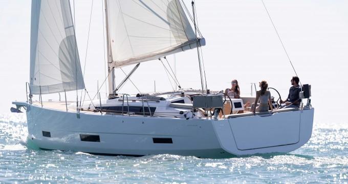 Verhuur Zeilboot in Gouviá - Dufour Dufour 390 Grand Large