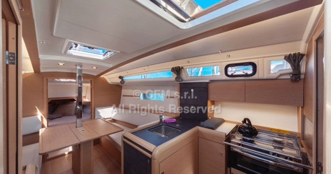 Verhuur Zeilboot in Capo d'Orlando - Jeanneau Sun Odyssey 349