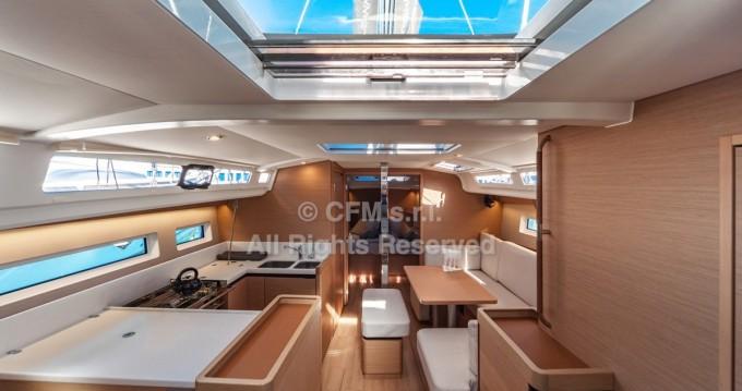 Jeanneau Sun Odyssey 440 te huur van particulier of professional in Capo d'Orlando