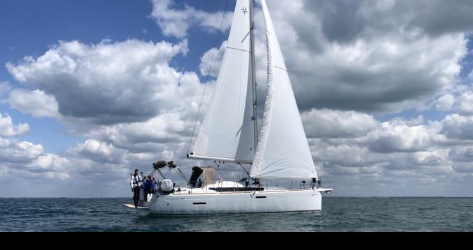 Bootverhuur Jeanneau Sun Odyssey 389 in La Rochelle via SamBoat