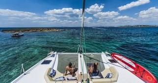Huur Catamaran met of zonder schipper Nautitech in Athene