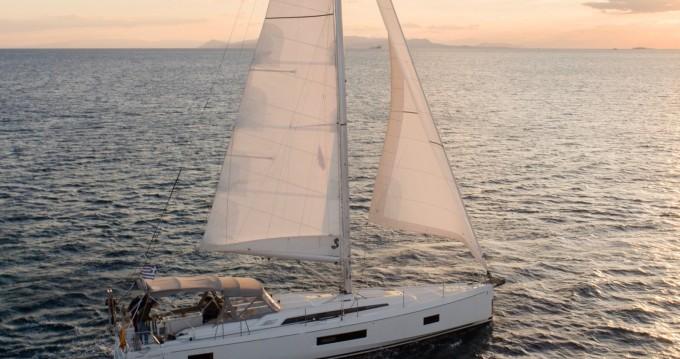 Bénéteau Oceanis 51.1 te huur van particulier of professional in Álimos