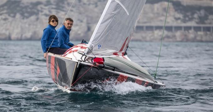 Zeilboot te huur in Lorient voor de beste prijs