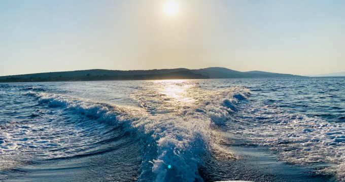 Bootverhuur Jeanneau Jeanneau Merry Fisher 795 in Split via SamBoat