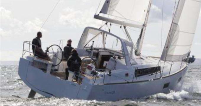 Bootverhuur Oceanis Océanis 38.1 in Golfe-Juan via SamBoat