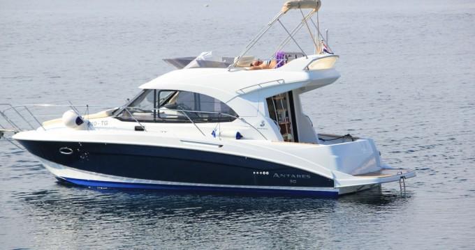 Jachthuur in Split - Bénéteau Beneteau Antares 30 Fly via SamBoat