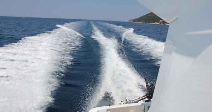 Bénéteau Beneteau Antares 30 Fly te huur van particulier of professional in Split