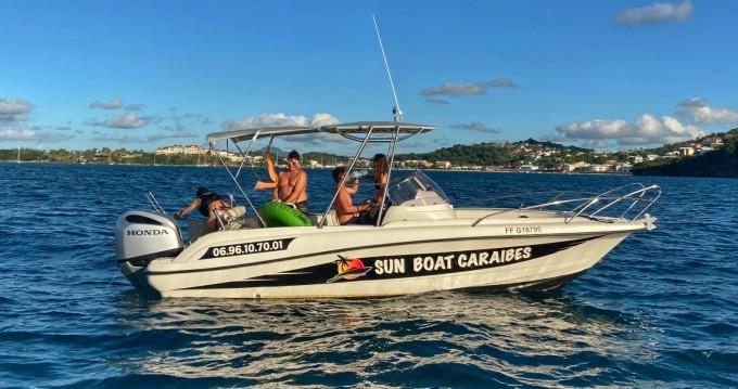 Motorboot te huur in Les Trois Îlets voor de beste prijs