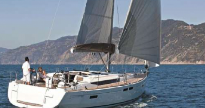 Zeilboot te huur in Golfe-Juan voor de beste prijs