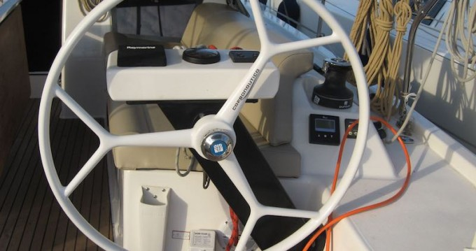Bootverhuur Dufour Dufour 390 GL in Álimos via SamBoat