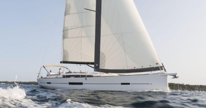 Bootverhuur Marina di Portorosa goedkoop Dufour 520 Grand Large