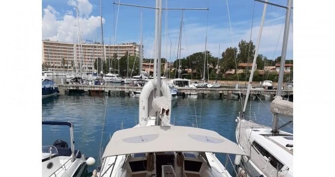 Huur een Dufour Dufour 390 Grand Large in Marina di Portorosa
