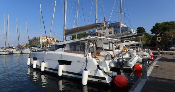 Huur een Fountaine Pajot Lucia 40 in Zadar