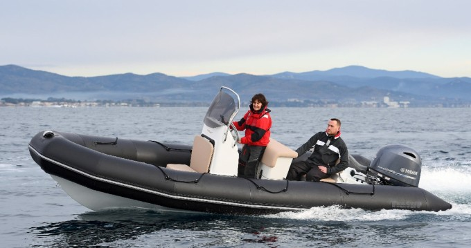 Verhuur Motorboot in Arzon - Bombard Sunrider 650