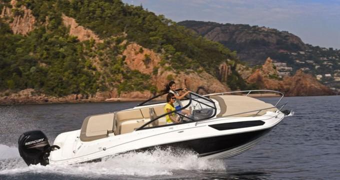 Bootverhuur Port du Crouesty goedkoop VR5 Cuddy