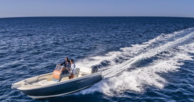 Huur Motorboot met of zonder schipper Invictus  in Vannes