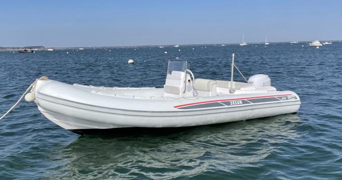 Rubberboot te huur in Grand Piquey voor de beste prijs