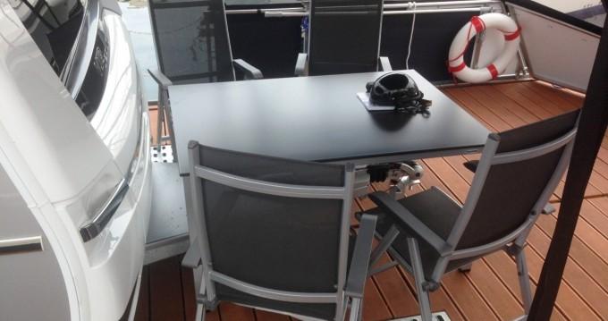 Verhuur Woonboot Technus met vaarbewijs