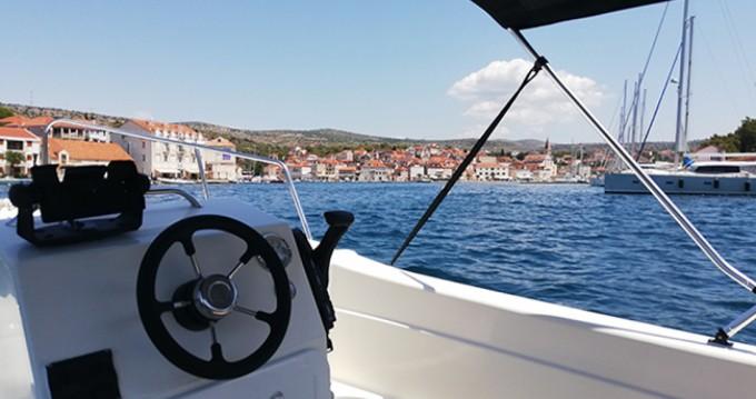 Verhuur Motorboot Betina met vaarbewijs