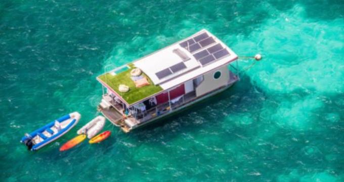 Bootverhuur Custom Made Aqualodge in Le Marin via SamBoat
