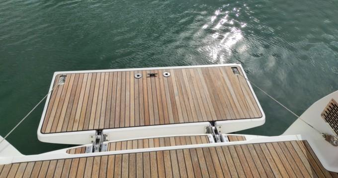 Huur een Bavaria Cruiser 37 in Agde