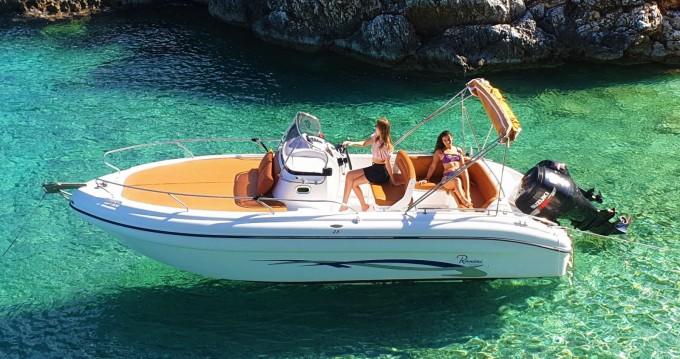 Motorboot te huur in Tsilivi voor de beste prijs