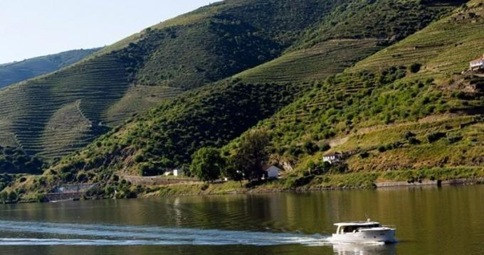 Huur Woonboot met of zonder schipper Classic in Vila Nova de Gaia