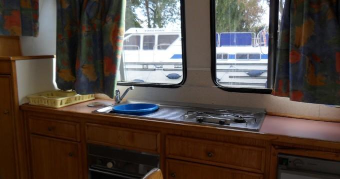 Verhuur Woonboot in Digoin - Low Cost Renaud 8000