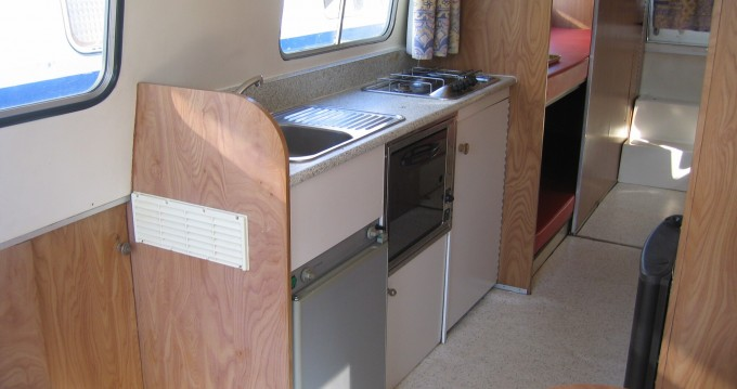 Jachthuur in Homps - Low Cost Espade 930 via SamBoat