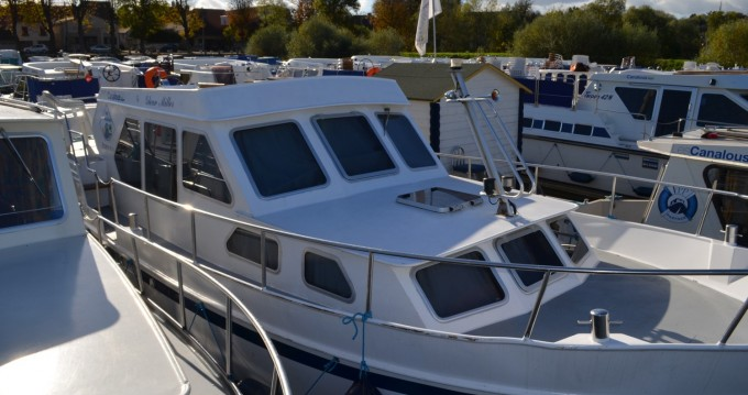 Huur een Classic Linssen Yacht 36 in Pontailler-sur-Saône